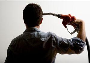 image: UK road haulage truck fuel tanker dispute strike