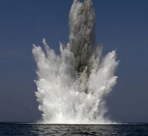 image: explosives, shipping, freight
