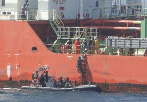 image: Somalia gunfight crew killed freight vessel bulk carrier pirate