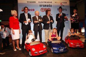 image: green vehicles, electric cars, vans, TNT, Netherlands, logistics, Peter Bakker, freight, Eneco, Jeroen de Haas