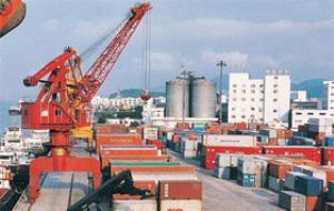 image: port, import, container, TEU, National, Retail, Federation, HIS, global, imports, Ports