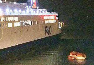 image: Calais France MyFerryLink Eurotunnel RoRo freight passenger ferry SCOP DFDS