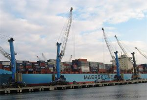 image: Liebherr shipping freight container handling machinery mobile harbour crane