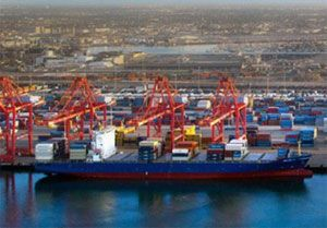 image: US International Longshore & Warehouse Union (ILWU) Pacific Maritime Association (PMA) freight dispute port