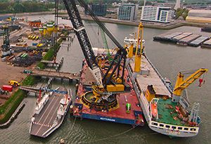 image: UK US Germany heavy lift freight logistics shipping snippets news