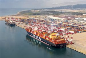 image: Spain, 2M Alliance, MSC, TEU, container terminal, box vessel, BEST, Hutchison Ports, Maersk,