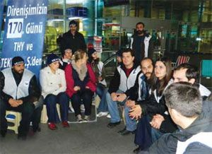 image: Turkey labour dispute union the International Transport Workers Federation ITF Turkish Airlines sacked workers