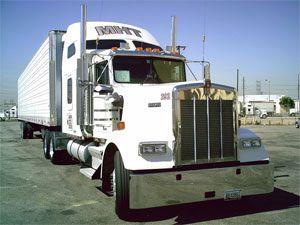image: Kenworth Peterbilt T440 PACCAR PX 8 diesel electric trucks lorries vans drayage haulage Cummins T740