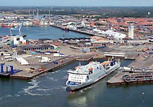 image: DFDS sulphur emission RoRo freight ferry Denmark UK Harwich Ejsberg