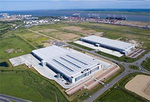 image: UK Wincanton DP World London Gateway Logistics Park quayside deep water port road haulage operator