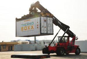 image: US Europe CakeBoxx Technologies ThermoBoxx reefer shipping containers doorless flat rack refrigerated