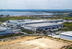 image: UK, DP World, London Gateway, logistics, park, unit, speculative, warehouse, deep water, container port