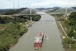 image: Panama Canal clean fuel freight vessels heavy fuel oil HFO light distillate