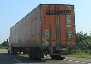image: US truck freight cargo crime theft Schneider Green Bay road haulage logistics supply chain intermodal