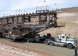 image: Australia road haulage freight heavy lift project cargo power lines