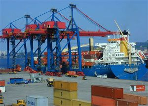 image: Europe shipping agent export import consolidated cargo services full containers