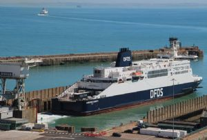 image: UK, France, P&O, DFDS, freight, ferries, charter, agreement, trailers,