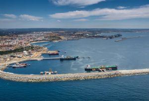 image: Netherlands, Wartsila, barge, autonomous, Port, of, Rotterdam, renewable, zero emission,