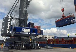 image: Liebherr mobile harbour cargo bulk freight container handling tonnes Norway TEU Port of Drammen