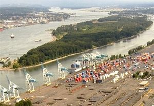 image: US Port of Portland Oregon labour container freight logistics