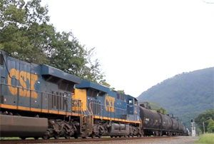 image: CSX River Line I-90 rail freight intermodal capacity crude oil wagons stack containers