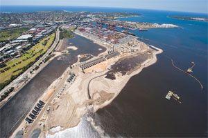 image: Hutchison Whampoa multi modal shipping container port TEU