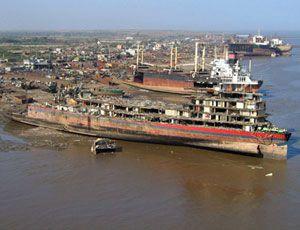 image: Frontline dry bulk carrier VLCC tanker fleet container shipping dry index John Fredriksen