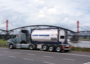 image: German Swiss freight forwarder Austrian Rail wagon hire multimodal logistics Kuehne + Nagel VTG