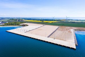 image: Maersk, container, handling, supply chain, logistics, APM, terminal, Copenhagen, Denmark,