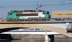 image: Eurotunnel, SNCF, rail, freight, Socorail, Veolia, Environnement, SA, cargo, Deutsche, Bahn, Poland, Switzerland, Germany, Holland, Italy, network, European, EU