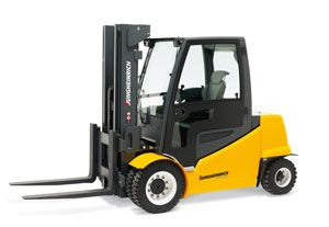 image: UK fork lift truck Toyota Jungheinrich freight logistics forklift tonnes pallet