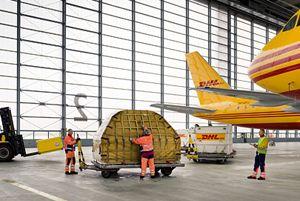 image: US Australia Canada logistics air freight B747-400 freighter cargo