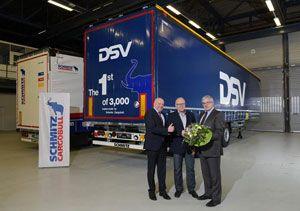 image: Schmitz Cargobull DSV A/S semi trailer road haulage freight forwarding multimodal