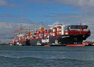 image: DP World Southampton container shipping TEU deep sea fleet Hapag Lloyd box line express carrier