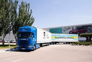 image: Spain Zaragoza logistics road train trailer 13.6 metres tandem truck and drawbar