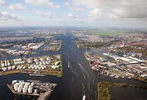 image: Netherlands Port of Amsterdam climate change hydrogen heavy transport logistics shipping
