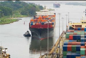 image: Panama Canal Authority ITF safety tug captain fatigue container ships tankers vessel passage