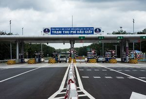 image: Vietnam road tolls expressway Ho Chi Minh City-Long Thanh-Dau Giay robbery corruption thieves