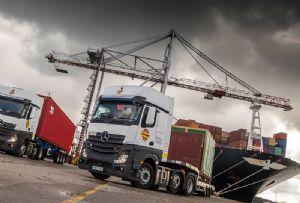 image: UK Pentalver Genesee & Wyoming (G&W) transport yard LGV driver shortage logistics road haulage truck container freight