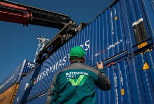 image: P&O Ferrymasters freight containers multimodal Europe Asia pallet wide high-cube swap body units