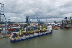 image: UK Forth ports straddle carriers container freight cargoes Kalmar handling LCT London