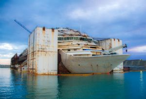 image: Netherlands container ship illegal scrapping dismantling beaching yard EU regulations