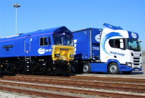 image: UK Maritime DP World London Gateway deep water container port locomotive intermodal freight