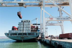 image: US Oakland American imports exports record TEU port containerised trade wars tariff levies
