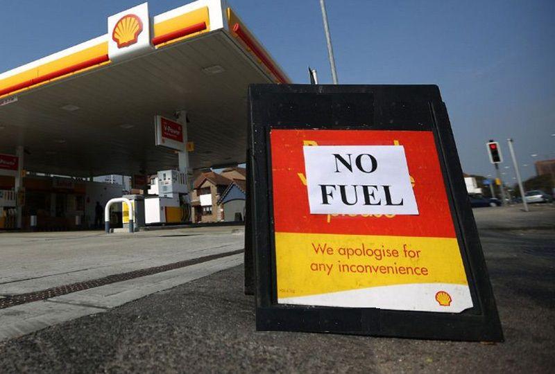 image: UK, Grant Shapps, driver, crisis, fuel, shortages, RHA, road, haulage, Logistics,